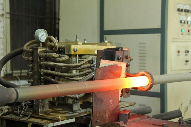 triple acting sucker rod pump solid solution